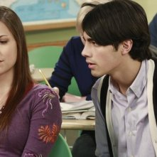 Joe Jonas e Carly Lang in una scena dell'episodio Detention della serie Jonas