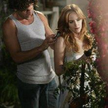 Eastwick: Jaime Ray Newman con Jon Bernthal in Reaping and Sewing, secondo episodio della prima stagione del serial