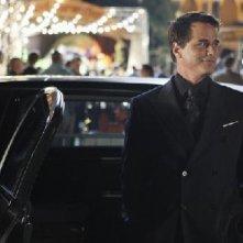 Eastwick: Paul Gross in una sequenza di Reaping and Sewing, secondo episodio della prima stagione del serial