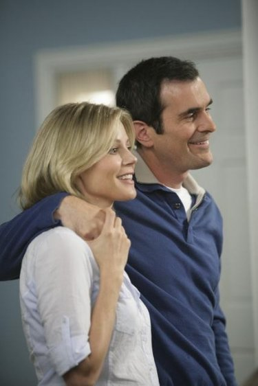 Julie Bowen e Ty Burrell in una scena dell'episodio The Incident della serie Modern Family