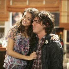 Sarah Hyland e Reid Ewing in una scena dell'episodio The Incident della serie Modern Family