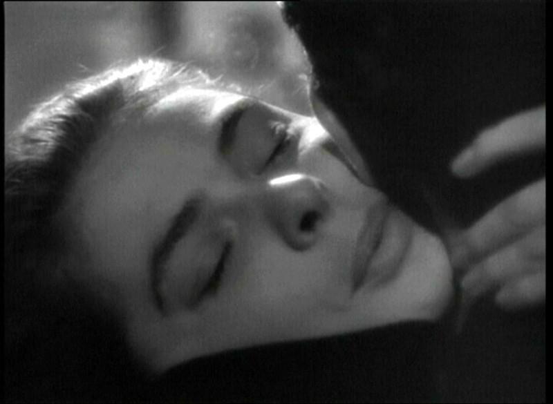 Un Bacio Tra Cary Grant E Ingrid Bergman In Una Scena Del Film Notorious L Amante Perduta 1946 133199