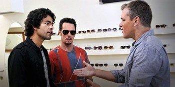 Adrian Grenier, Kevin Dillon e Matt Damon in una scena di Give a Little Bit, episodio finale della sesta stagione di Entourage