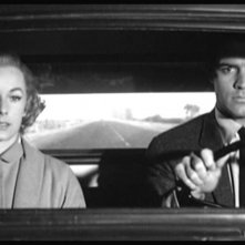 John Gavin e Vera Miles in una scena del film Psycho ( 1960 )