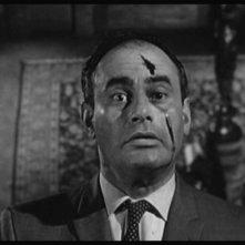 Martin Balsam in una celebre scena del film Psycho ( 1960 )