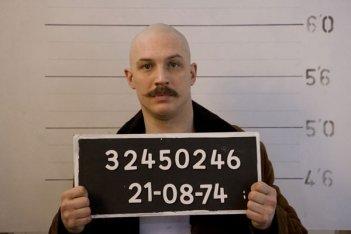 Tom Hardy è il protagonista del film Bronson