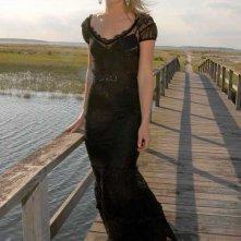 Elisabeth Röhm in una foto promo per Hampton Style Magazine, nel Luglio 2004
