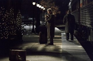 Richard Gere in una scena del film Hachiko
