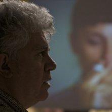 Il regista Pedro Almodovar sul set de Gli abbracci spezzati