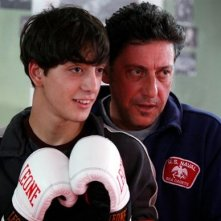 Lorenzo (Gabriele Campanelli e Mero (Sergio Castellitto) sono i protagonisti di Alza la testa