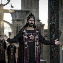 Sami Samir è Cyril in un momento del film Agora