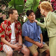 Charlie Sheen, Jon Cryer ed Holland Taylor nell'episodio Whipped Unto the Third Generation della serie Due uomini e mezzo