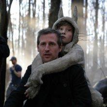 Il regista Spike Jonze e il piccolo Max Records sul set del film Nel paese delle creature selvagge di Spike Jonze