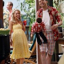 Kelly Stables e Jon Cryer nell'episodio Whipped Unto the Third Generation della serie Due uomini e mezzo