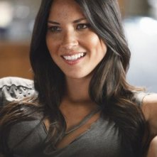 Olivia Munn nell'episodio Fight The Power della serie Greek