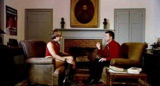 Sacha Baron Cohen nei panni di Bruno a colloquio con un sedicente terapeuta esperto nella 'guarigione' degli omosessuali.