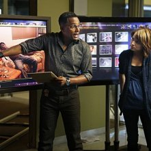 Anna Belknap ed Hill Harper in una scena dell'episodio Dead Reckoning di CSI New York