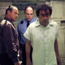 Christopher Meloni e Stephen Rea in una scena dell'episodio Solitary della serie Law & Order: SVU