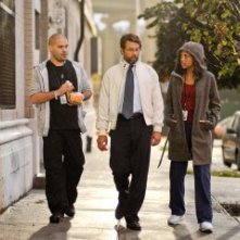 Guillermo Diaz, James LeGros e Jaime Lee Kirchner in una scena dell'episodio Hope You're Good, Smiley Face della serie Mercy
