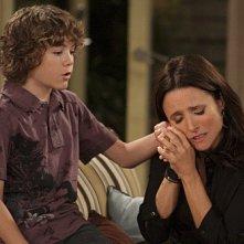 Julia Louis-Dreyfus in una scena dell'episodio The Mole de La complicata vita di Christine