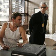 Scott Foley e Richard Belzer in una scena dell'episodio Hammered della serie Law & Order: SVU