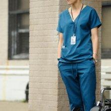 Taylor Schilling in una scena dell'episodio Hope You're Good, Smiley Face della serie Mercy