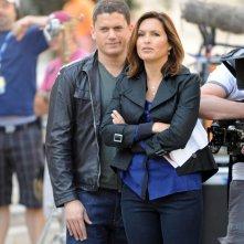 Wentworth Miller e Mariska Hargitay sul set dell'episodio Unstable di Law & Order: SVU