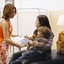 Kate Walsh e Lucy Hale in una scena dell'episodio Pushing the Limits di Private Practice