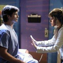 Tom Welling ed Erica Durance in una scena dell\'episodio Il simbolo della crociata di Smallville