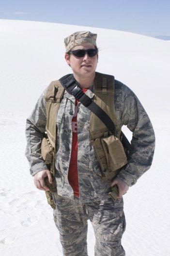 David Blue è Eli Wallace in una scena dell'episodio Air: Part 3 di Stargate Universe