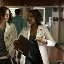 Three Rivers: Katherine Moennig ed Alfre Woodard nell'episodio Place of Life