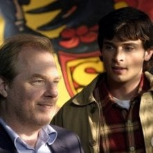 Tom Welling e Michael McKean dell\'episodio Storie di alieni di Smallville