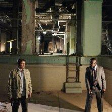 Dylan Bruno e Alimi Ballard nell'episodio Hangman della sesta stagione di Numb3rs