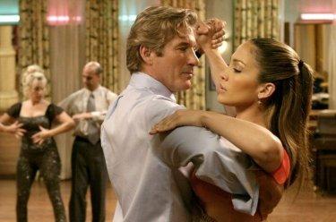 Richard Gere e Jennifer Lopez in una scena di Shall We Dance?