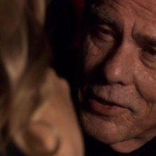 Dean Stockwell in una scena del film TV Battlestar Galactica: The Plan
