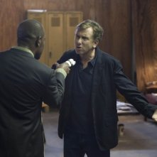 Lie to Me: la guest star Lennie James con Tim Roth in un momento dell'episodio Grievous Bodily Harm