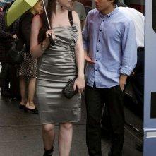 Michelle Trachtenberg e Chris Riggi nell'episodio Rufus Getting Married di Gossip Girl