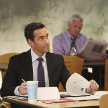 Better Off Ted: Jay Harrington nell'episodio Get Happy