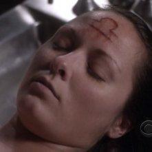 Medium, stagione 6: un misterioso serial killer firma i suoi omicidi con il segno della Bilancia nell'episodio The Medium is the Message