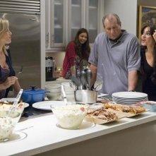 Modern Family: Julie Bowen, Ty Burrell e Sofía Vergara in una scena dell'episodio Coal Digger