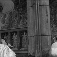 Deborah Kerr e Pamela Franklin in una sequenza del film Suspense ( 1961 ) di Jack Clayton