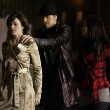 Erica Durance, Ryan McDonell ed Elise Gatien nell'episodio Crossfire di Smallville