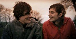 Greg Timmermans e Laura Verlinden in una scena del film Ben X