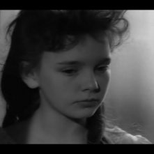 Pamela Franklin in una scena del film horror Suspense ( 1961 )