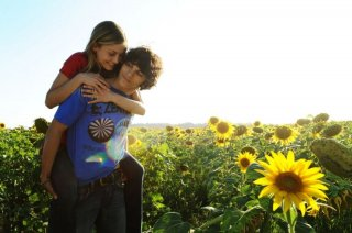 Veronica Oliver e Giuseppe Maggio in un'immagine del film Amore 14
