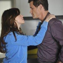 Nip/Tuck: Dylan Walsh e Rose McGowan nell'episodio Jenny Juggs