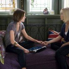 Jennie Garth e Jessica Stroup nell'episodio Wild Alaskan Salmon di 90210