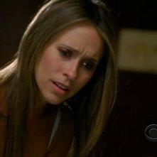 Ghost Whisperer: Jennifer Love Hewitt in una scena di 'Cause for Alarm', episodio della stagione 5