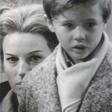 Loris Loddi accanto a Silvana Mangano nel film Il processo di Verona
