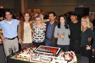 Wallpaper: il cast di Criminal Minds al Party per il 100esimo Episodio negli Quixote Studios a Los Angeles, nel 2009